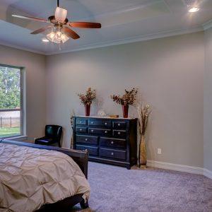 bedroom-1597103_640